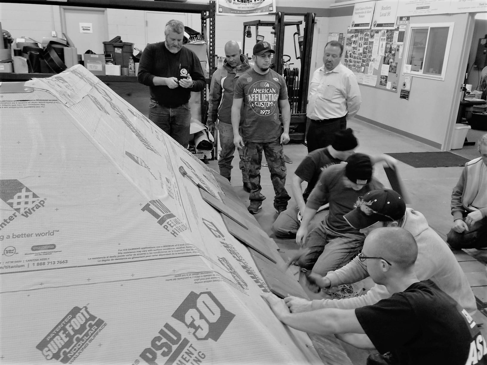 Minneapolis Roofers Training 2011 12.2